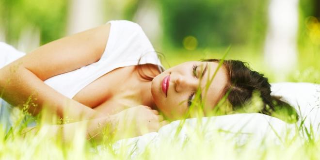 Dormirin forte sadrži melatonin, valerijanu, matičnjak i cink. Bez mamurluka i navikavanja