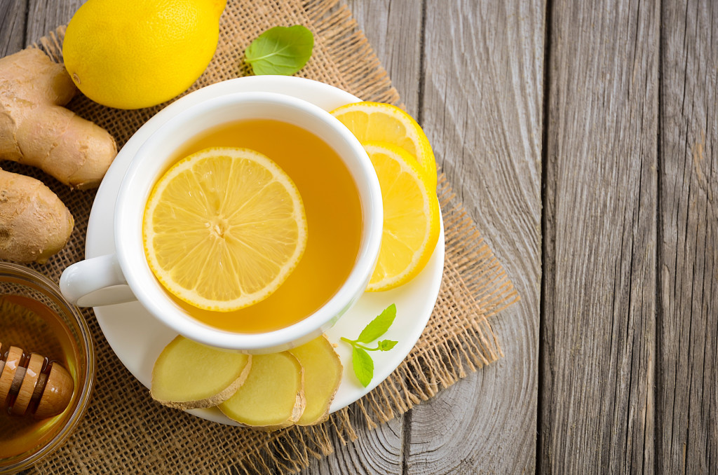 Manuka med recepti: razbuđujuća limunada s manuka medom i đumbirom